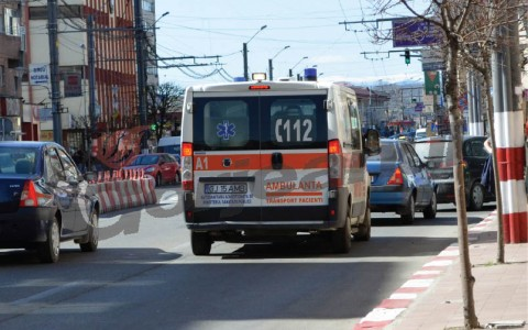 ambulanta in trafic oras