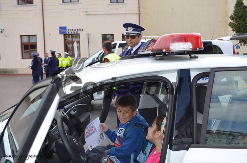 politie2_ins